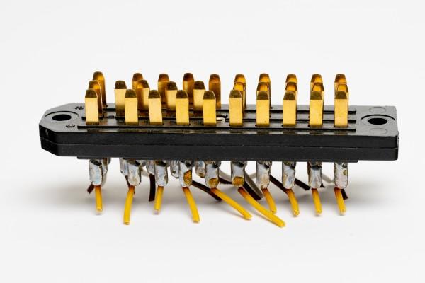 Siemens/ Tyco oder Amphenol Tuchel DIN 41622 30pol Messerleiste, vergoldet, GEBRAUCHT
